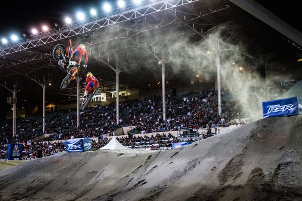 Jordan Smith & Shane McElrath race during Red Bull Straight Rhythm in Pomona, CA, USA on October 22, 2016. // Christian Pondella/Red Bull Content Pool // P-20161023-00352 // Usage for editorial use only // Please go to www.redbullcontentpool.com for further information. //