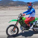 2ストロークビデオ|ジェレミー・マクグラス「KX500」レース仕様車